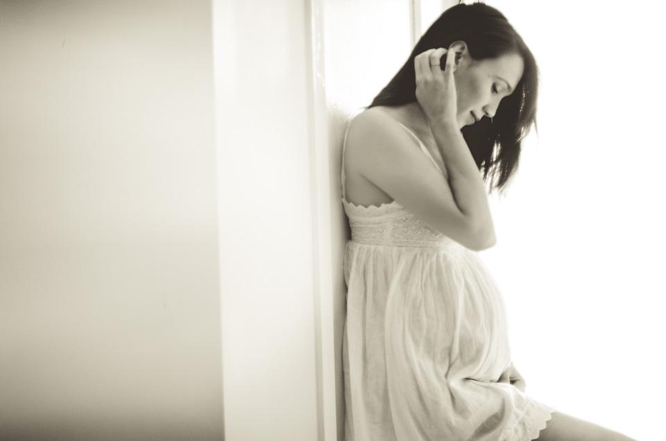 NY Pregnancy Shoot | Katrina | by Lara Photography